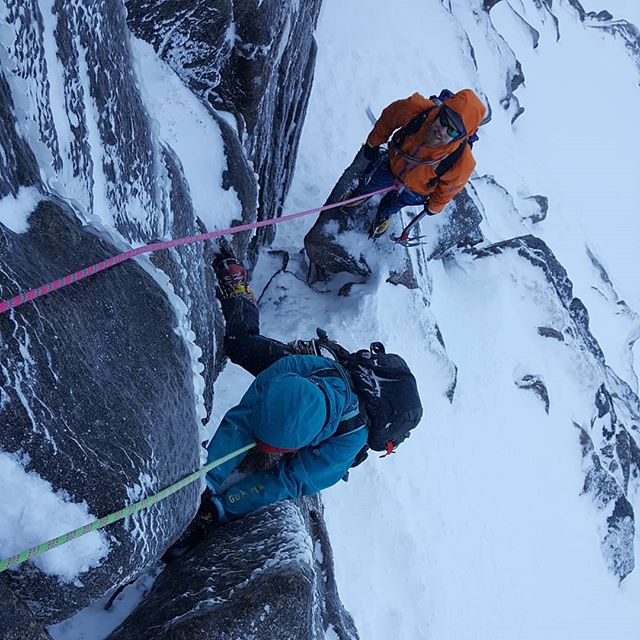 "Final day of this weeks winter climbing course @glenmorelodge. The guys were keen for some more mixed action, and Duncan was keen to lead an easier pitch. 'Opening Break"" fitted the bill, and was in good nick, and Duncan led the final pitch up onto the plateau.  #scotwinter #winterclimbing @ami_professionals"