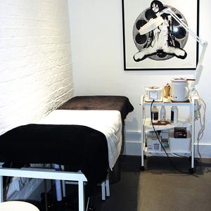 Glow-West-Treatment-Room.jpg