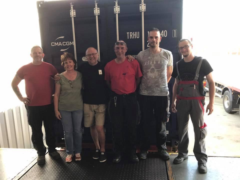 L'équipe responsable pour le chargement du container 2017