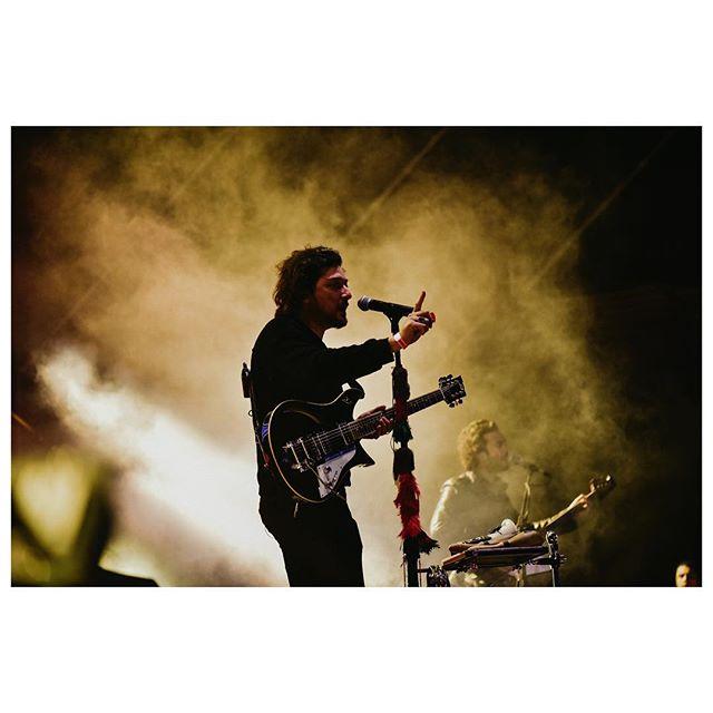 Zoé en @gritolatinocr /Al parecer no les gustan las luces fuertes, por eso se ven significativamente más oscuras 🌝 #gritolatinofest #gritolatinofest2019 #asígritamos #musicfestival #musiclove #zoe #livemusic #concert #concertphotography