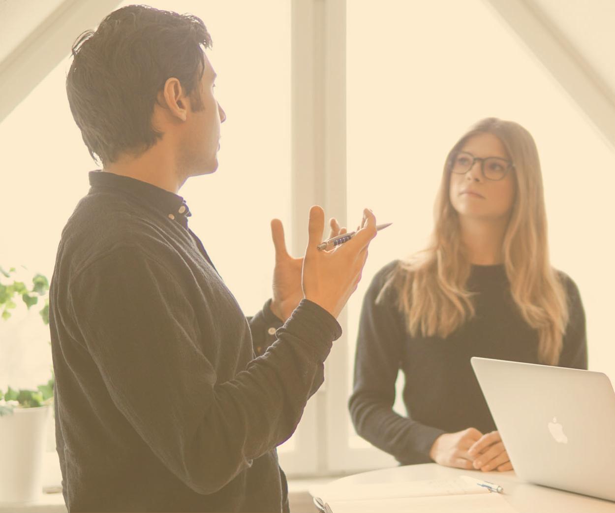 Kommunikation - Digitaliseringen och företags kommunikation får allt större betydelse. I takt med detta behöver organisationer allt oftare extern hjälp för att uppfylla sina kommunikativa mål.Lunicores olika typer av expertis gör det möjligt för oss att erbjuda rådgivning som är taktisk, strategisk och kreativ i lika mått. Vi hjälper dig med bland annat kommunikationsstrategier, grafisk design och sociala medier.