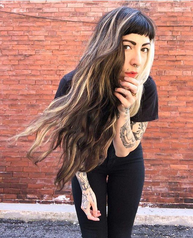 Haircut and balayage for this babe! ✨🌞✨ . . . #springishere #twilighthairsalon #balayage #balayagehighlights #longhair #bostonhair #bostonhairstylist #springhair
