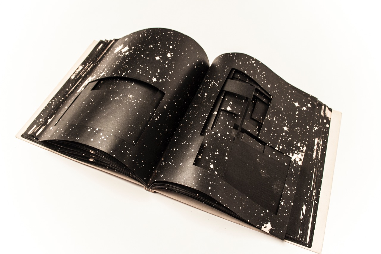 Malerei des Barock   livre decoupé et sérigraphié   © photographie - Nicolas Cosson