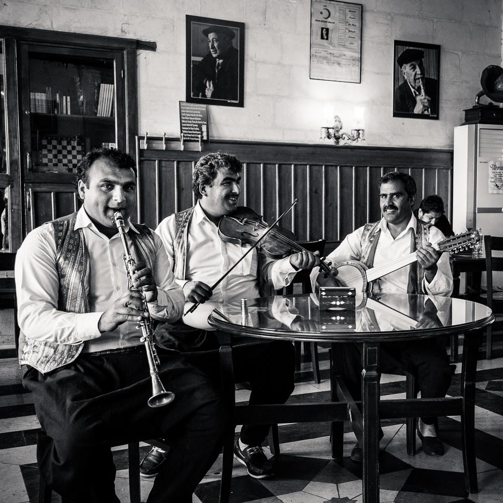 House band of Tahmis Kahvesi. Antep, Turkey