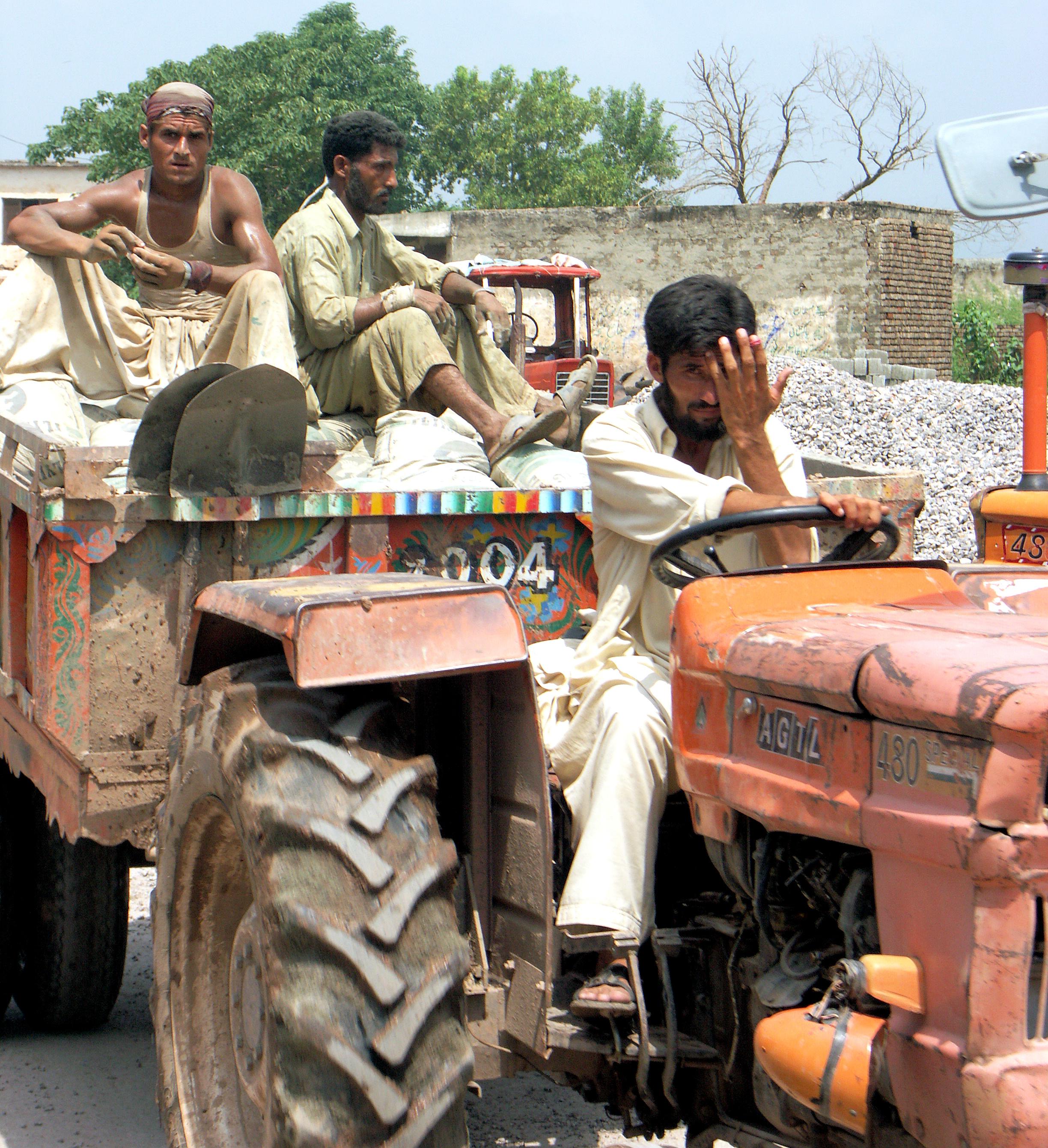 028 PB Road worker.jpg