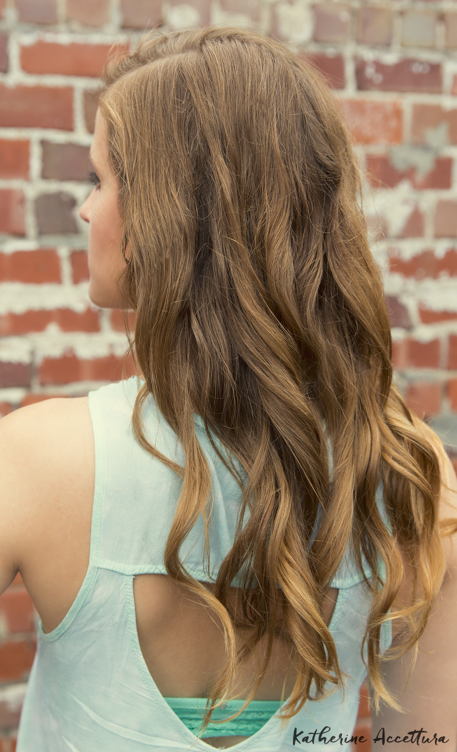 Mint Top + Curly Hairstyle