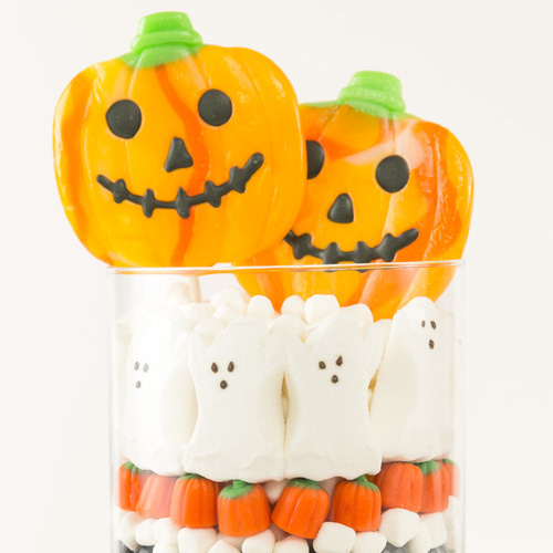 A Cute Halloween Candy Centerpiece