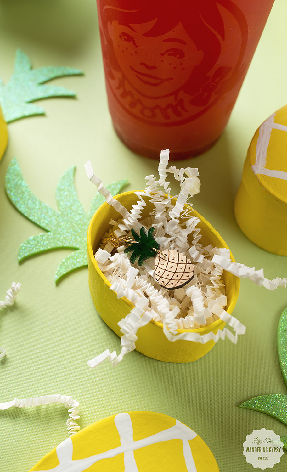 cute pineapple party DIY