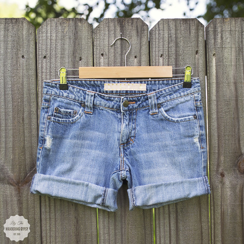 DIY - No-Sew Upcycled Shorts