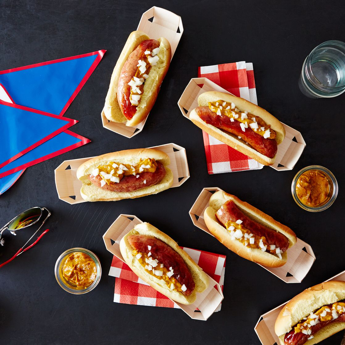Eco-Friendly Hot Dog Plates