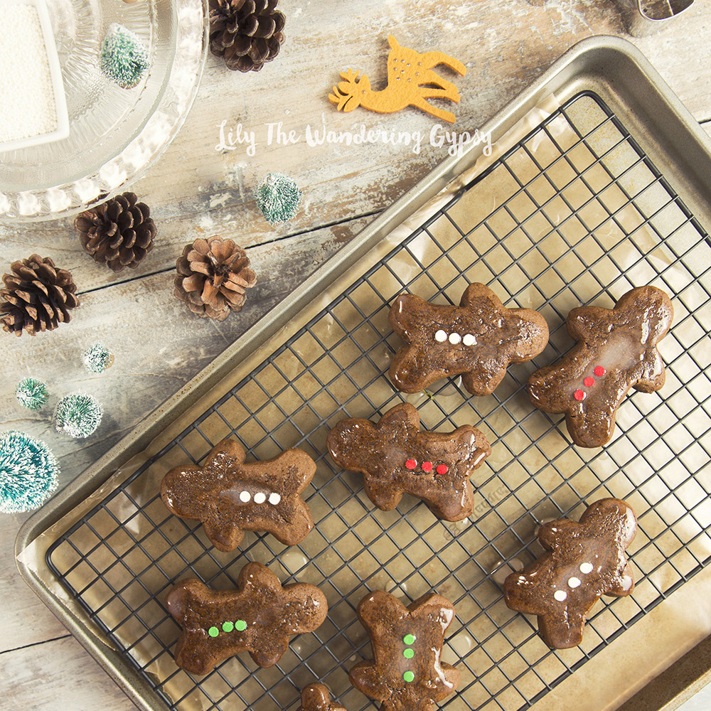GINGERBREAD COOKIES FROM SCRATCH