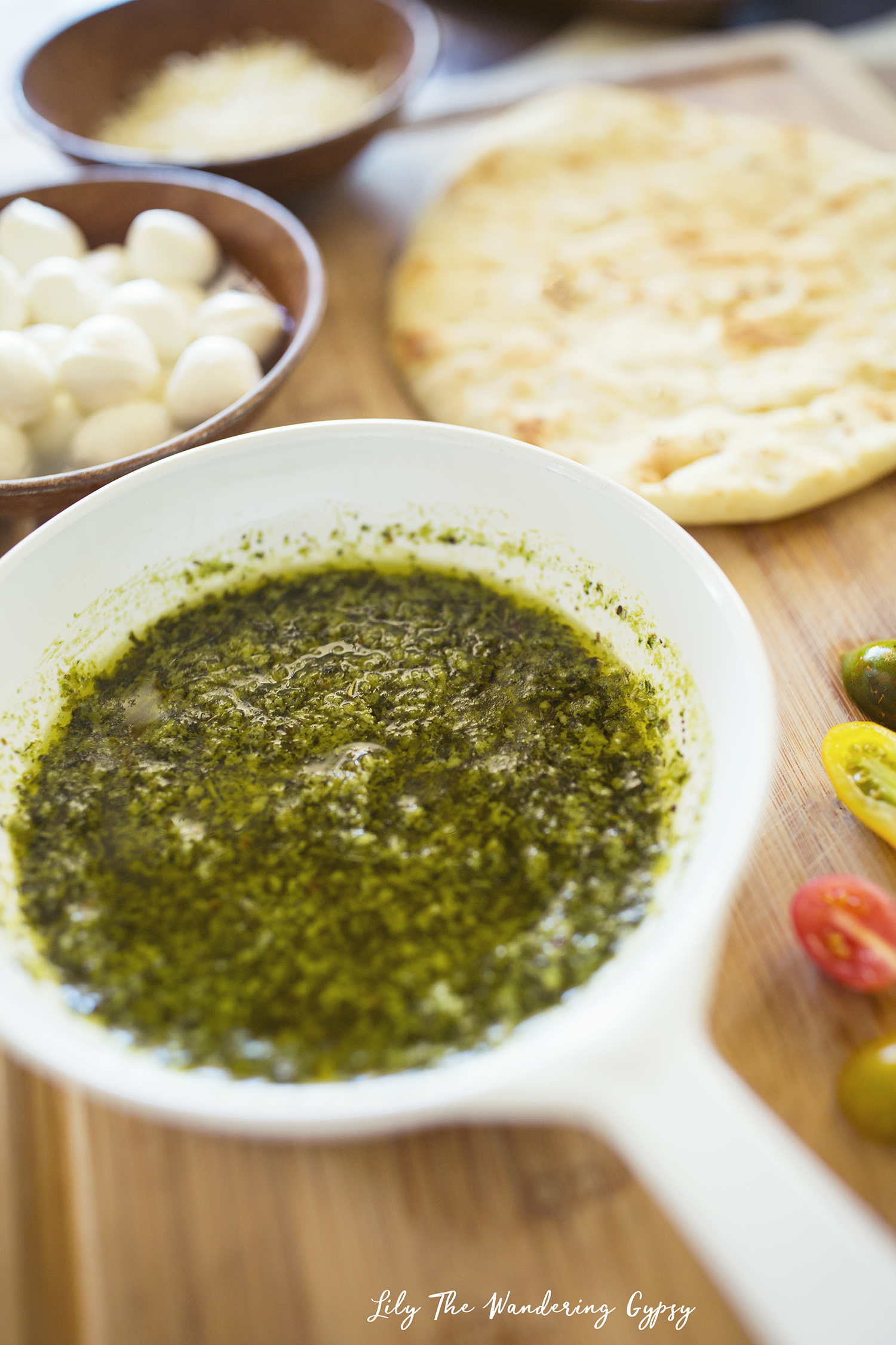 #ElevateYourPlate with this Vegetarian Flatbread Pizza Recipe