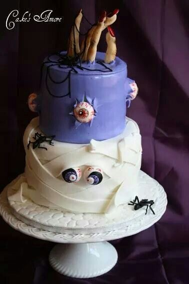 Love this cake, especially the eyeballs and hand sticking out from the top!