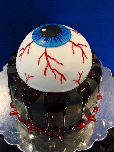 "This  ""eye-catching"" cake  sure does look amazing!"