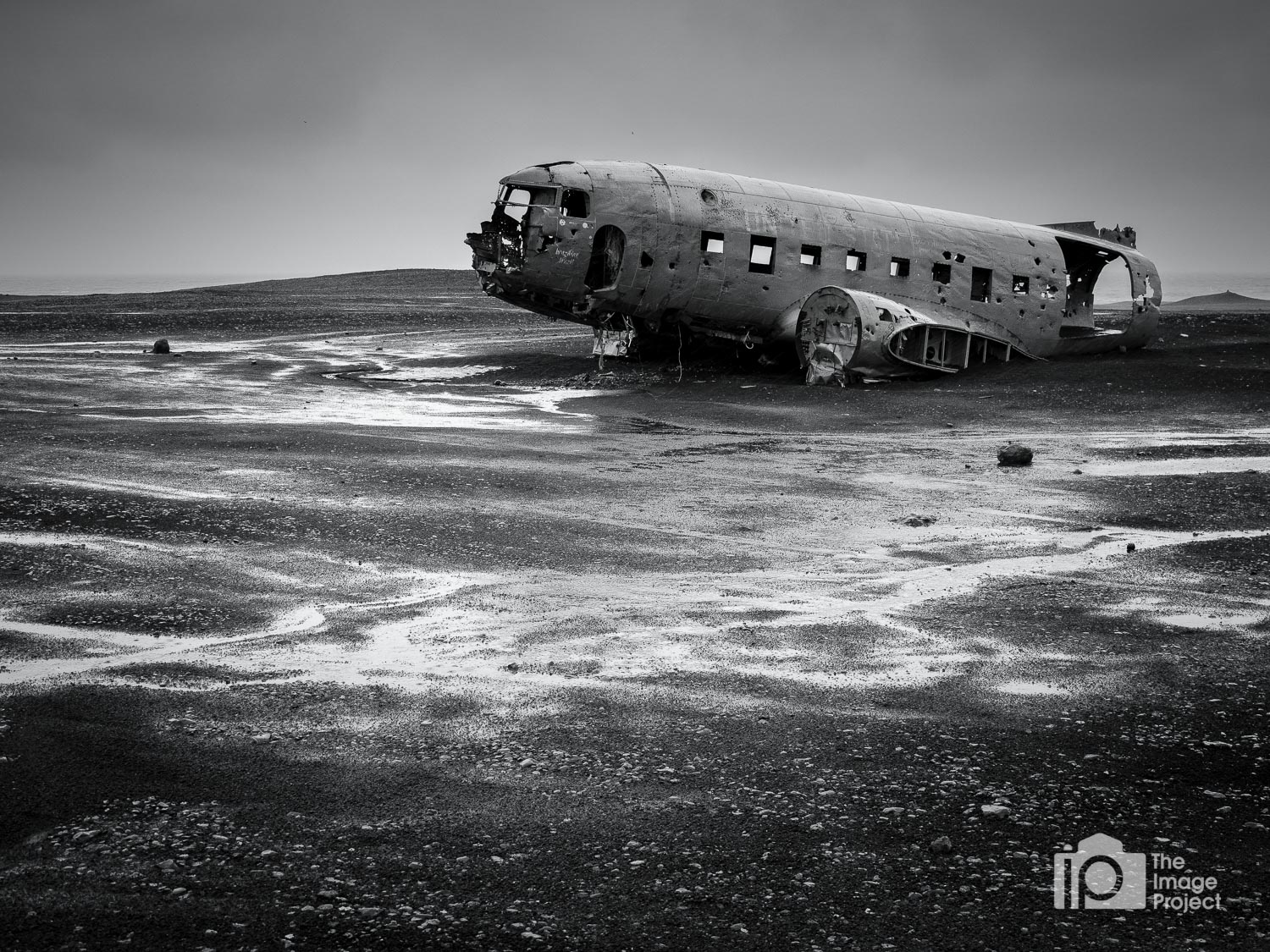 Plane wreck of Douglas D4D-8 number 17171 abandoned on south Icelandic beach
