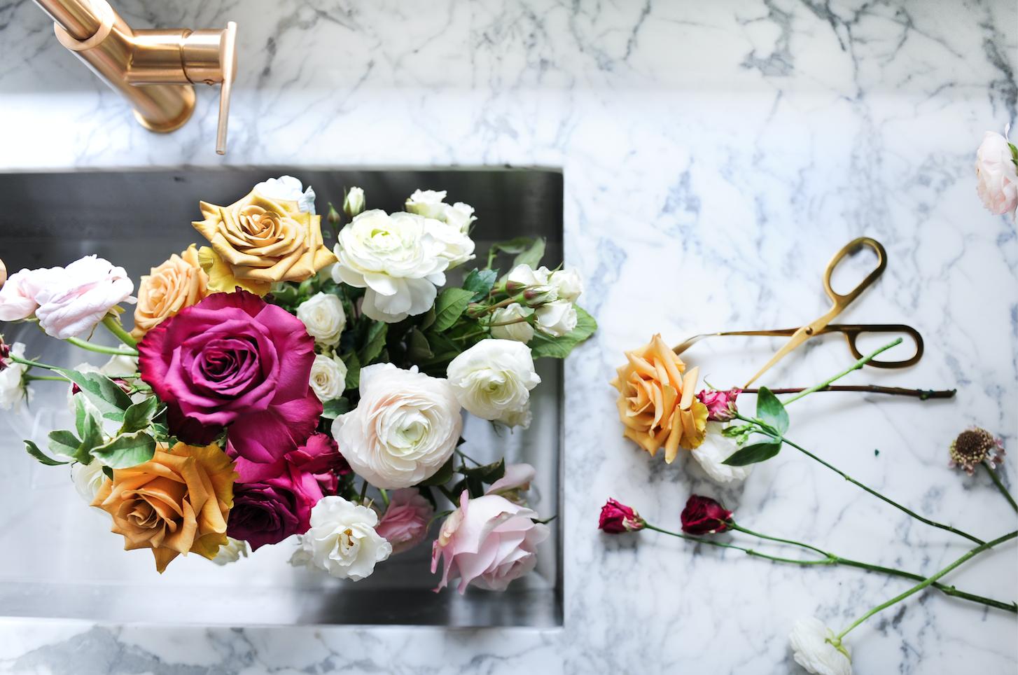 Beuatiful floral arrangment.png