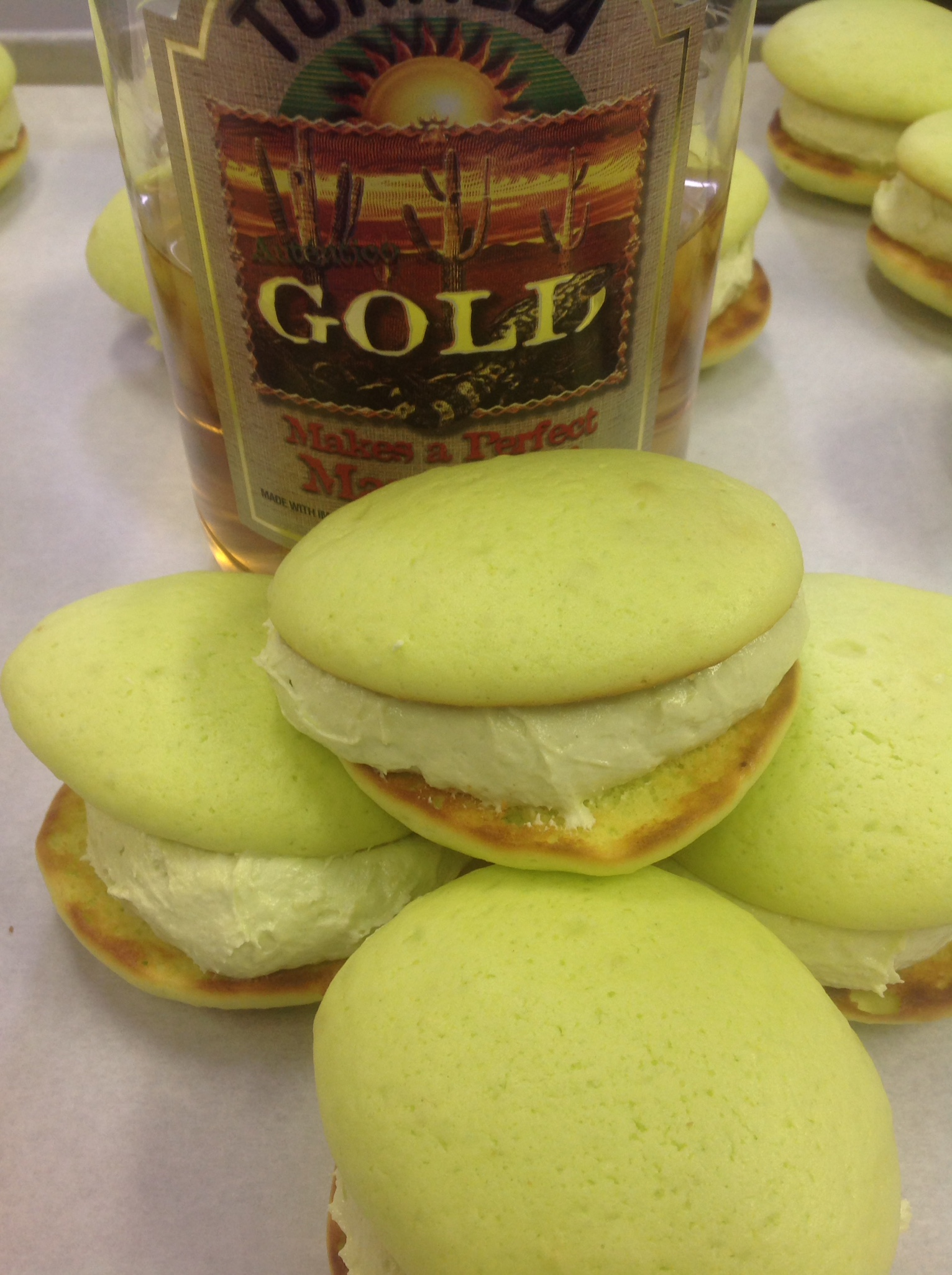 Margarita   Lime cookie with lime and Tequila filling