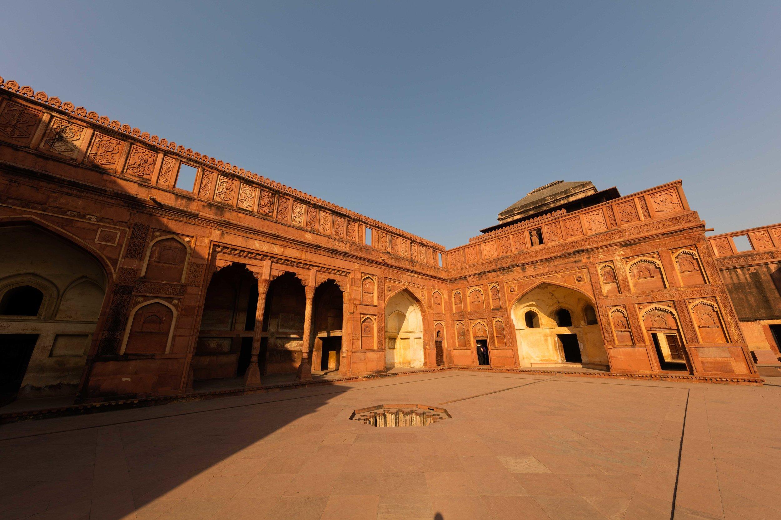 Agra Fort, Barracks