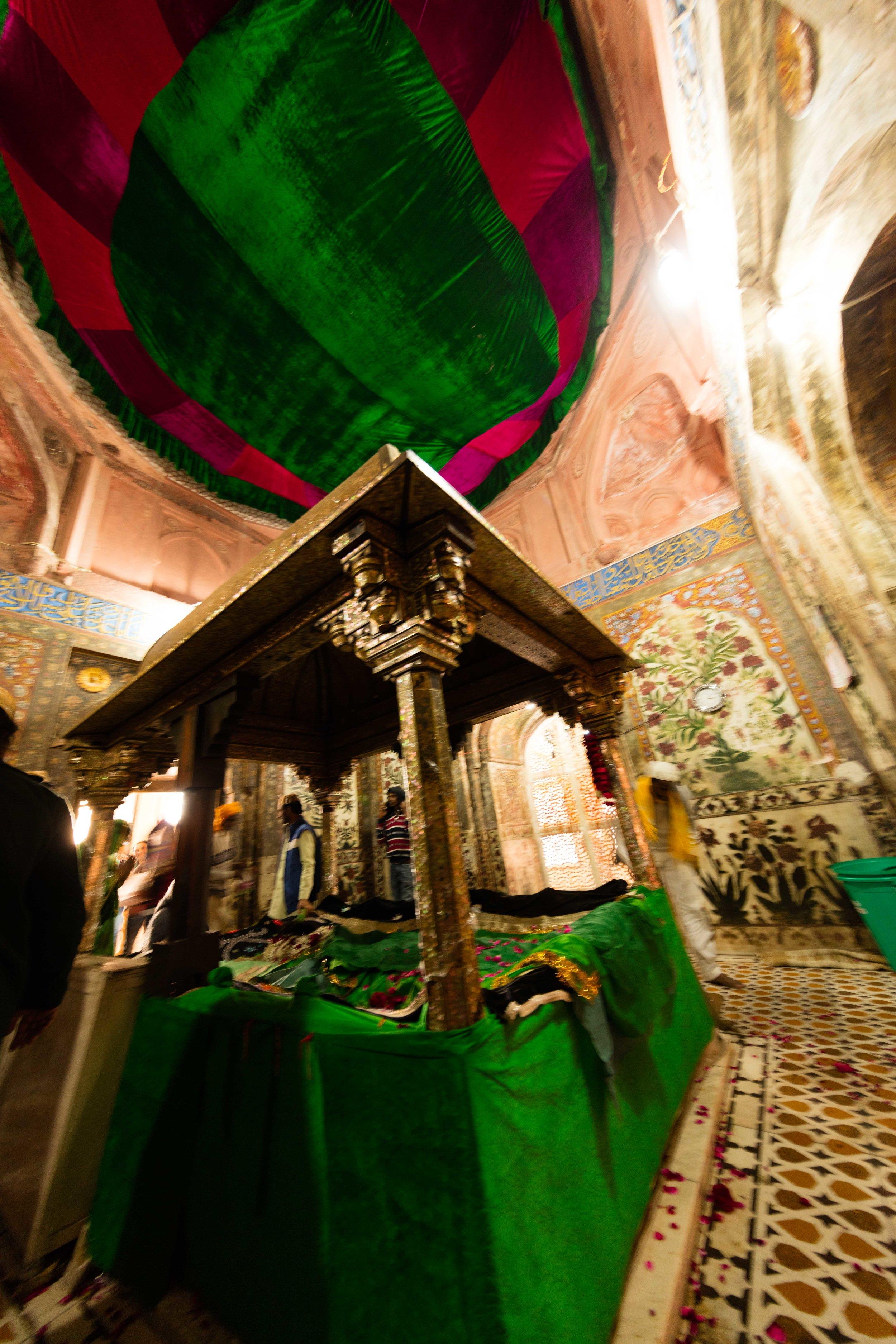 Blurry photo from inside Tomb of Seikh Salim Chisti, Fatehpur Sikri