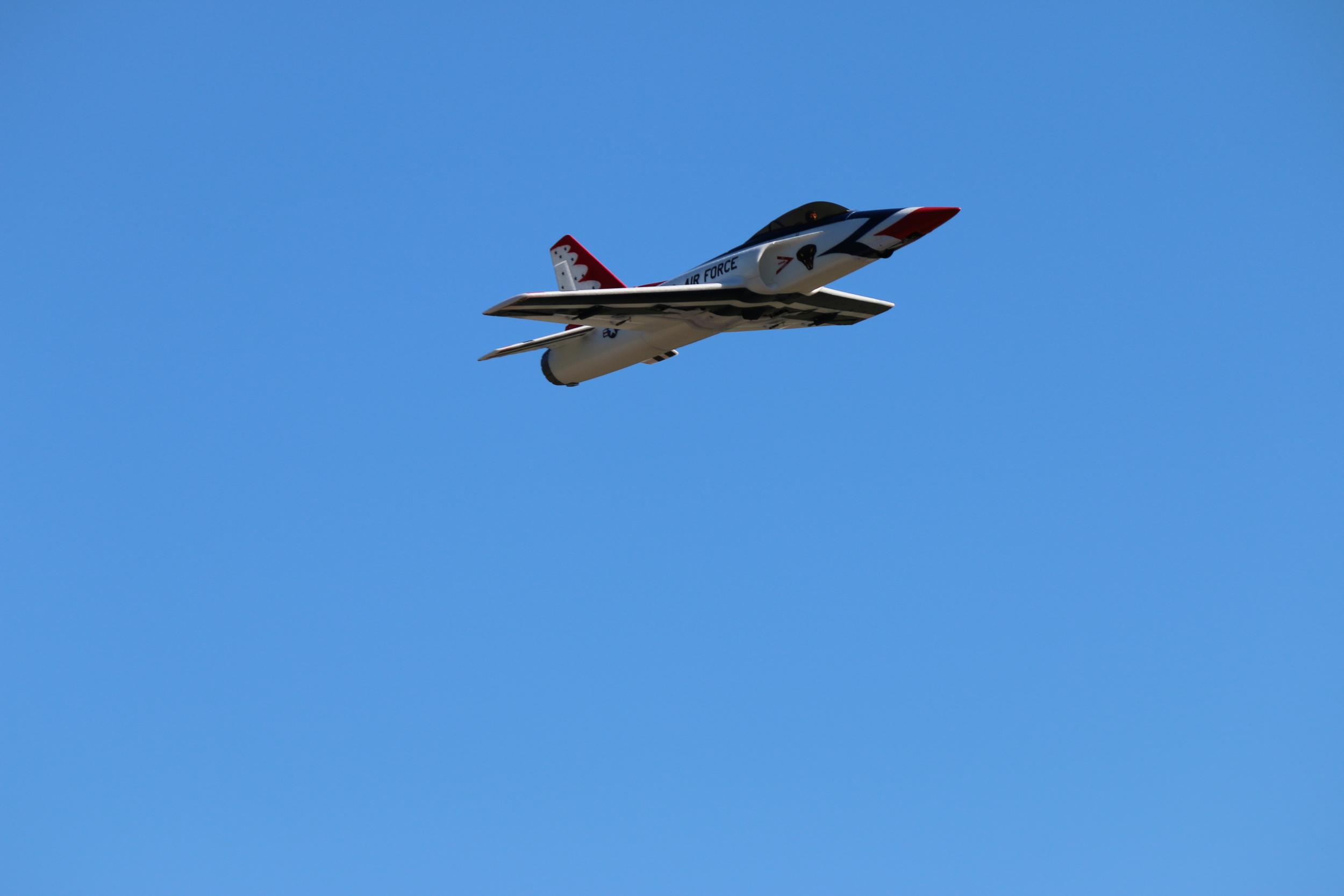 plane airforce.jpg