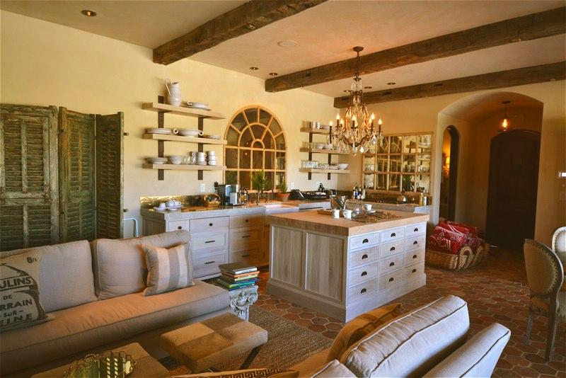 Lake View guest kitchen.jpg