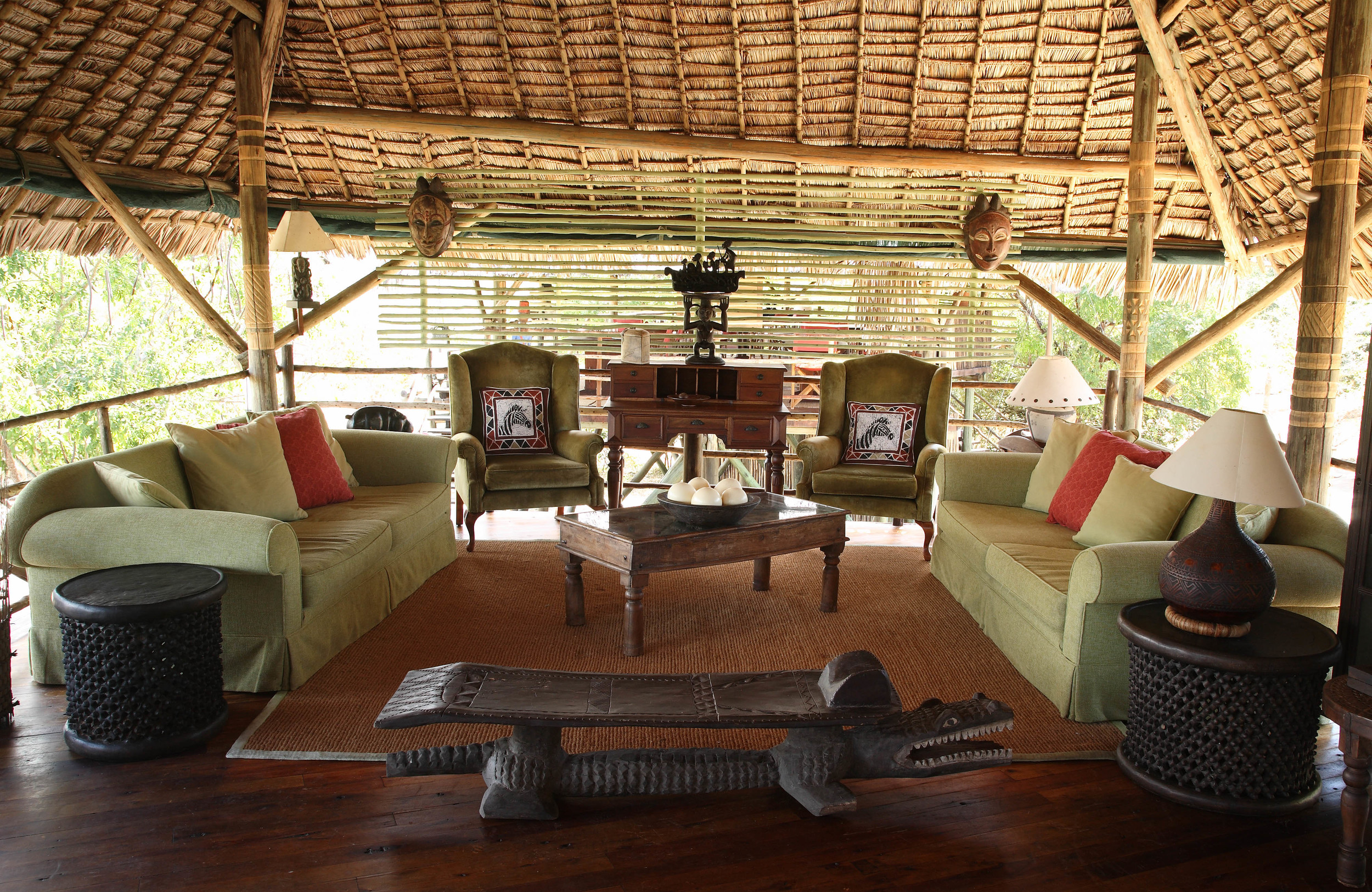 Homely lounge with reference books at Siwandu.jpg