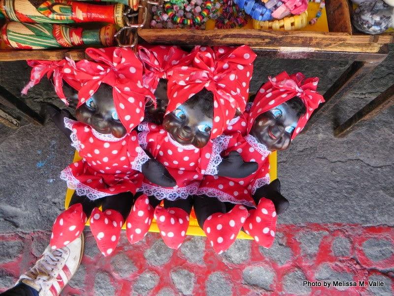 BlackDolls in the El Pari  á  n Market