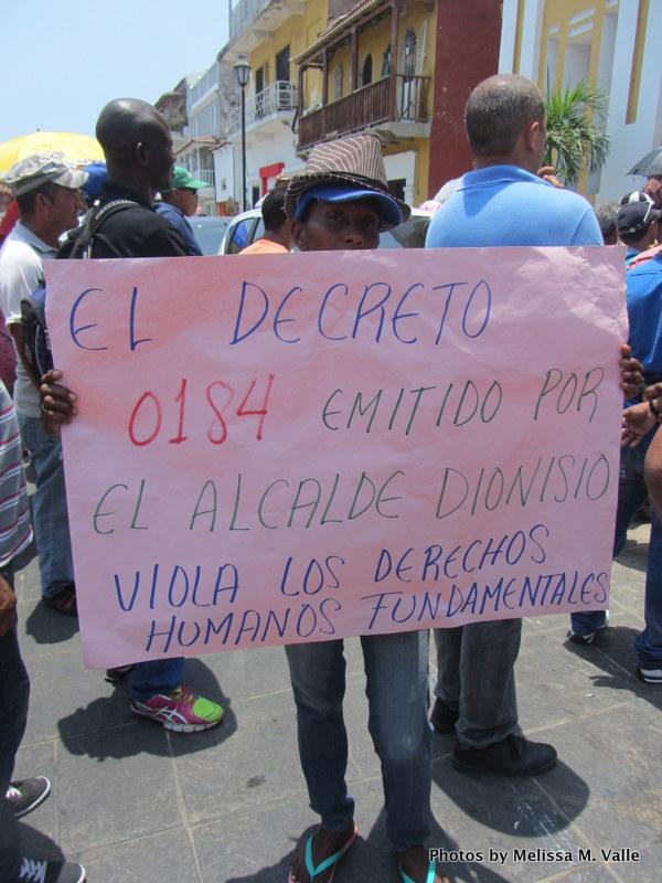 4.28.14 Vendedores ambulantes protest (44).JPG