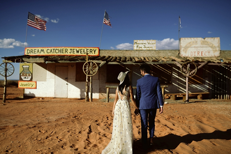 Haley-Nord-Photography-Moab-Elopement-Photographer-Utah-Monument-Valley-Wedding (5).jpg