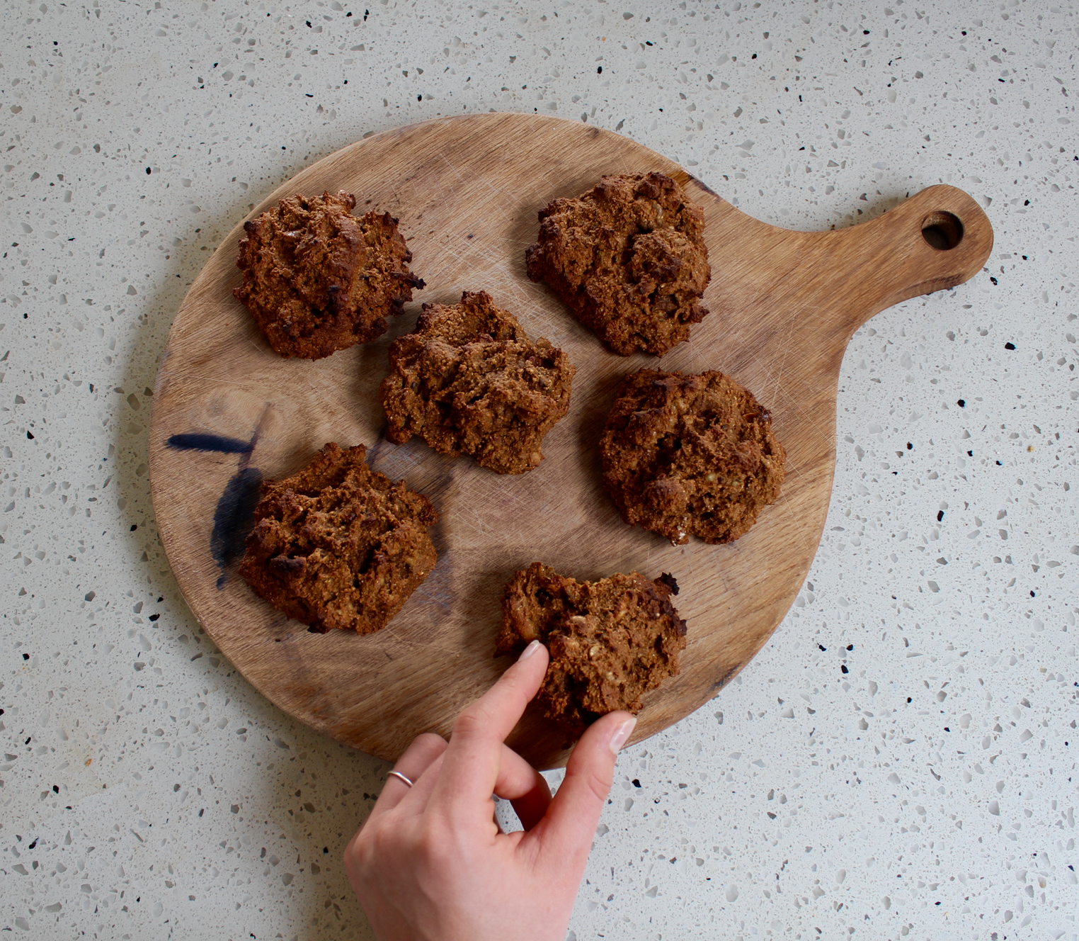 STICKY DATE AND GINGER COOKIES - vegan,plant based, dairy free, gluten free, ginger,  whole foods, no refined sugar, one bowl, recipe, easy  , natural  , recoveringraw.com, recoveringraw