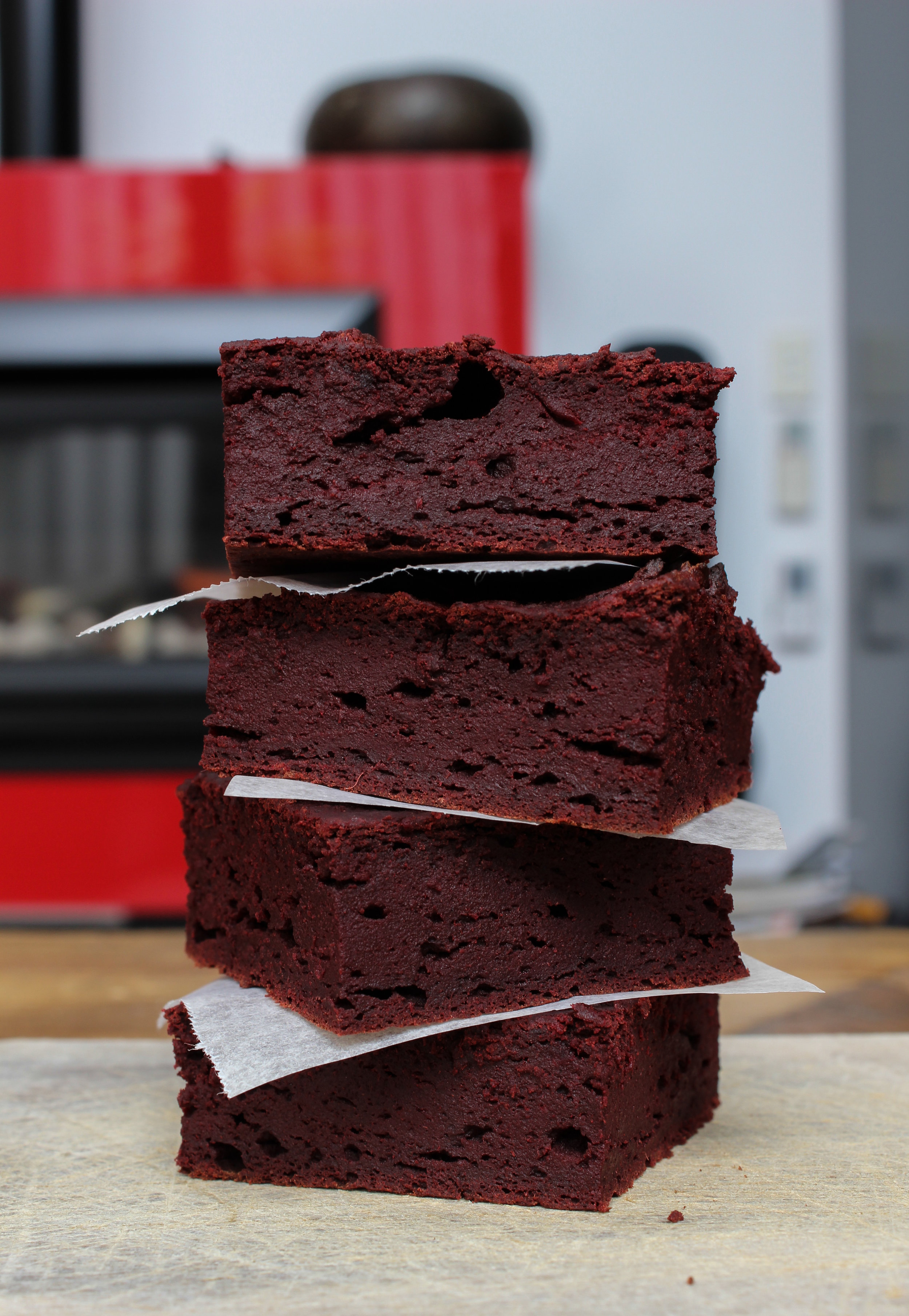 BEETROOT BROWNIES | vegan, dairy free, gluten free, egg free, healthy  , easy, plant based  , refined sugar free, chocolate, recoveringraw.com, recovering raw