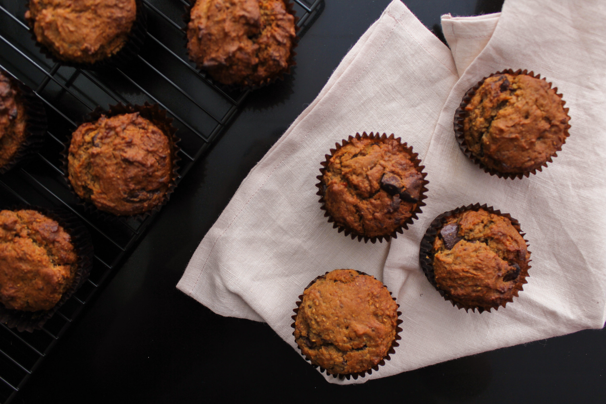 ALMOND BUTTER AND BANANA CHOC CHUNK MUFFINS | vegan, dairy free, gluten free, egg free, healthy  , easy, plant based  , refined sugar free, recoveringraw.com, recovering raw