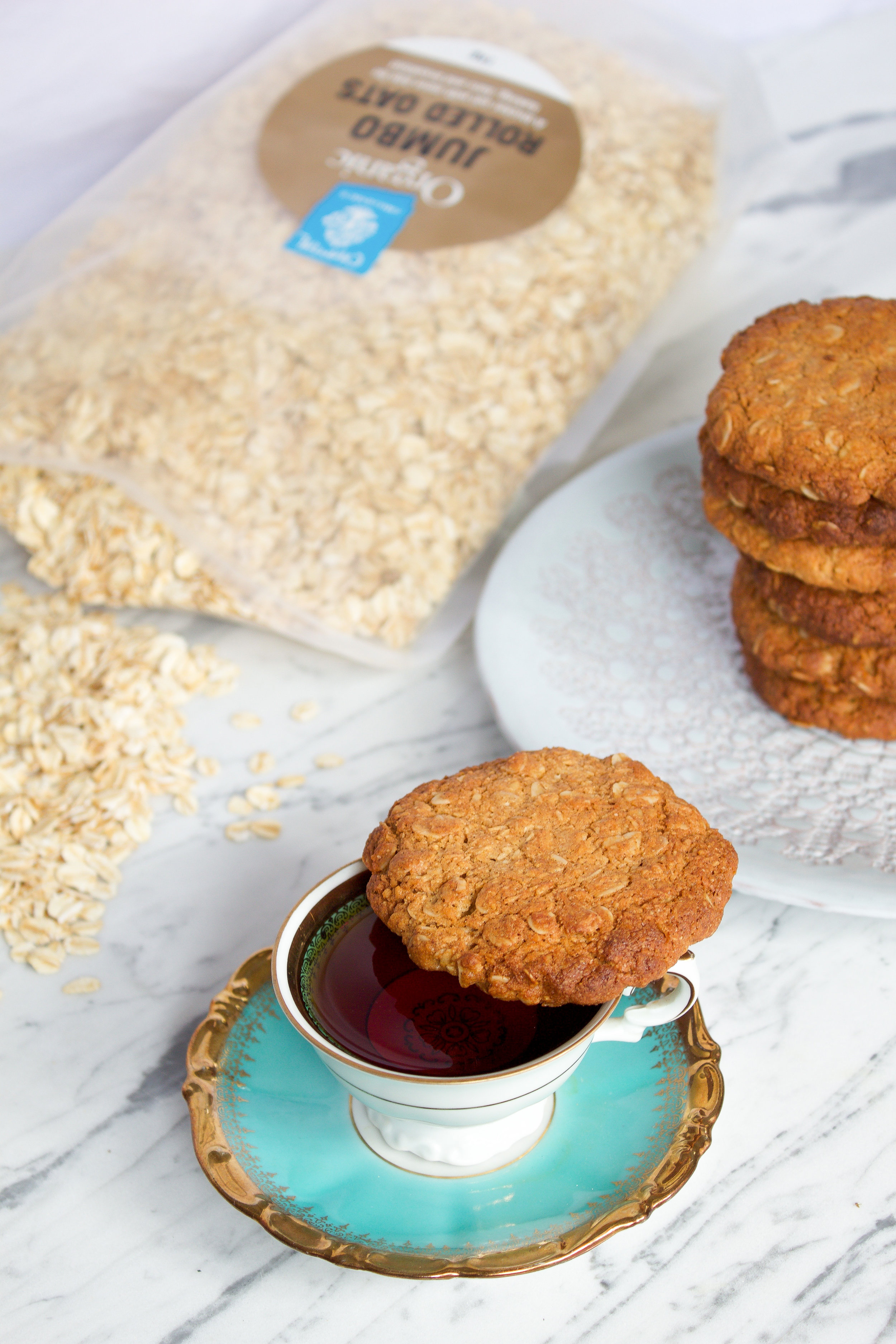 healthy anzac biscuits recipe, gluten free, sugar free, vegan, dairy free