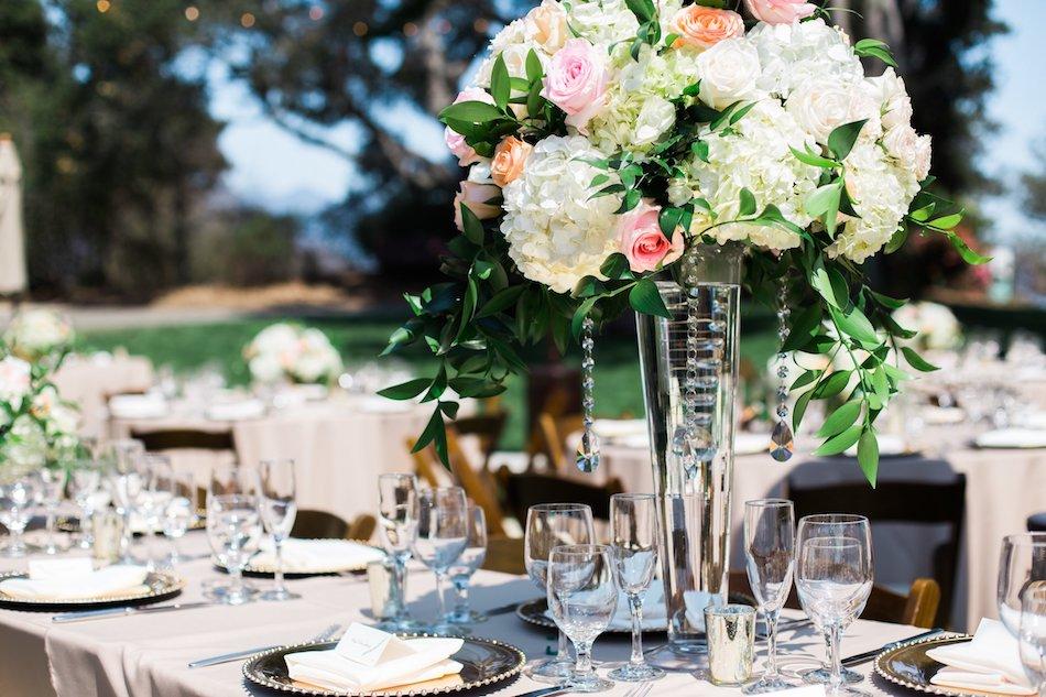 burlap-and-bordeux-dave-justine-josh-newton-wedding-5.jpg
