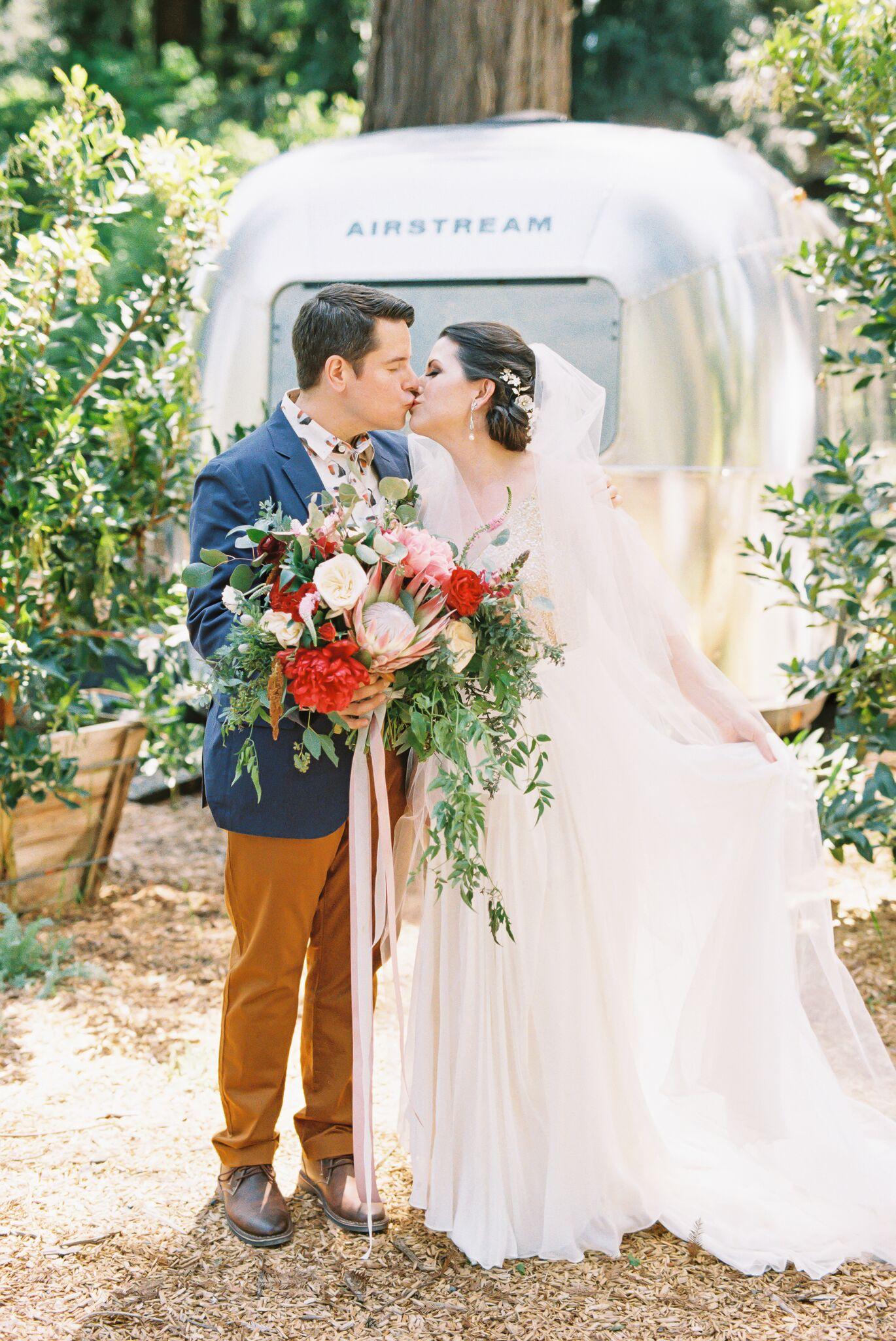 burlap-and-bordeaux-mandi-jeff-wedding-autocamp11.jpg