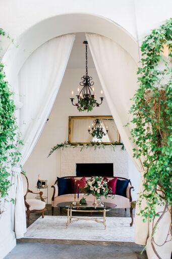 burlap-and-bordeux-steven-leyva-photography-villa-and-vine-wedding-styled-shoot-21_preview.jpeg