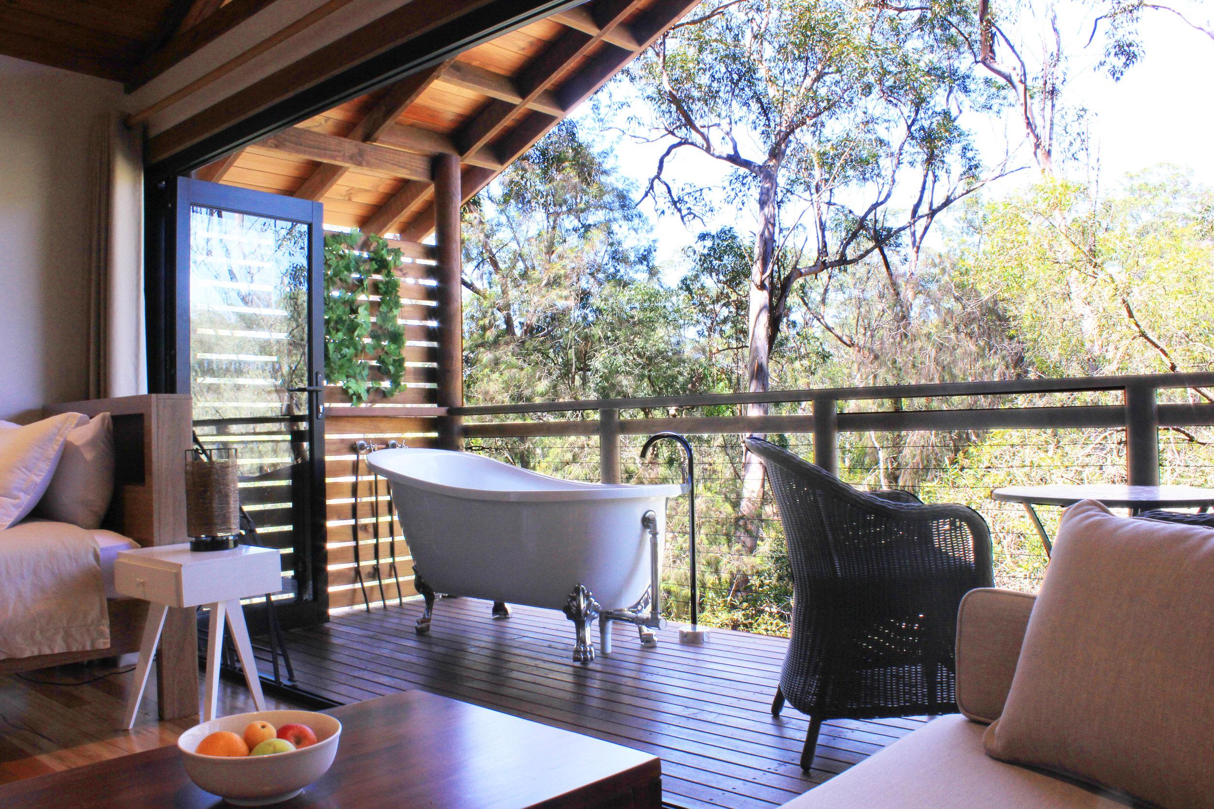 1e-preferred-treehouse-cabin.jpg