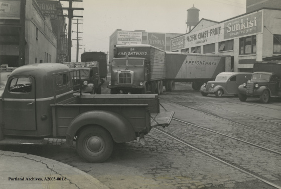 SE 3rd Avenue and SE Alder Street in 1950 (City of Portland Archives)