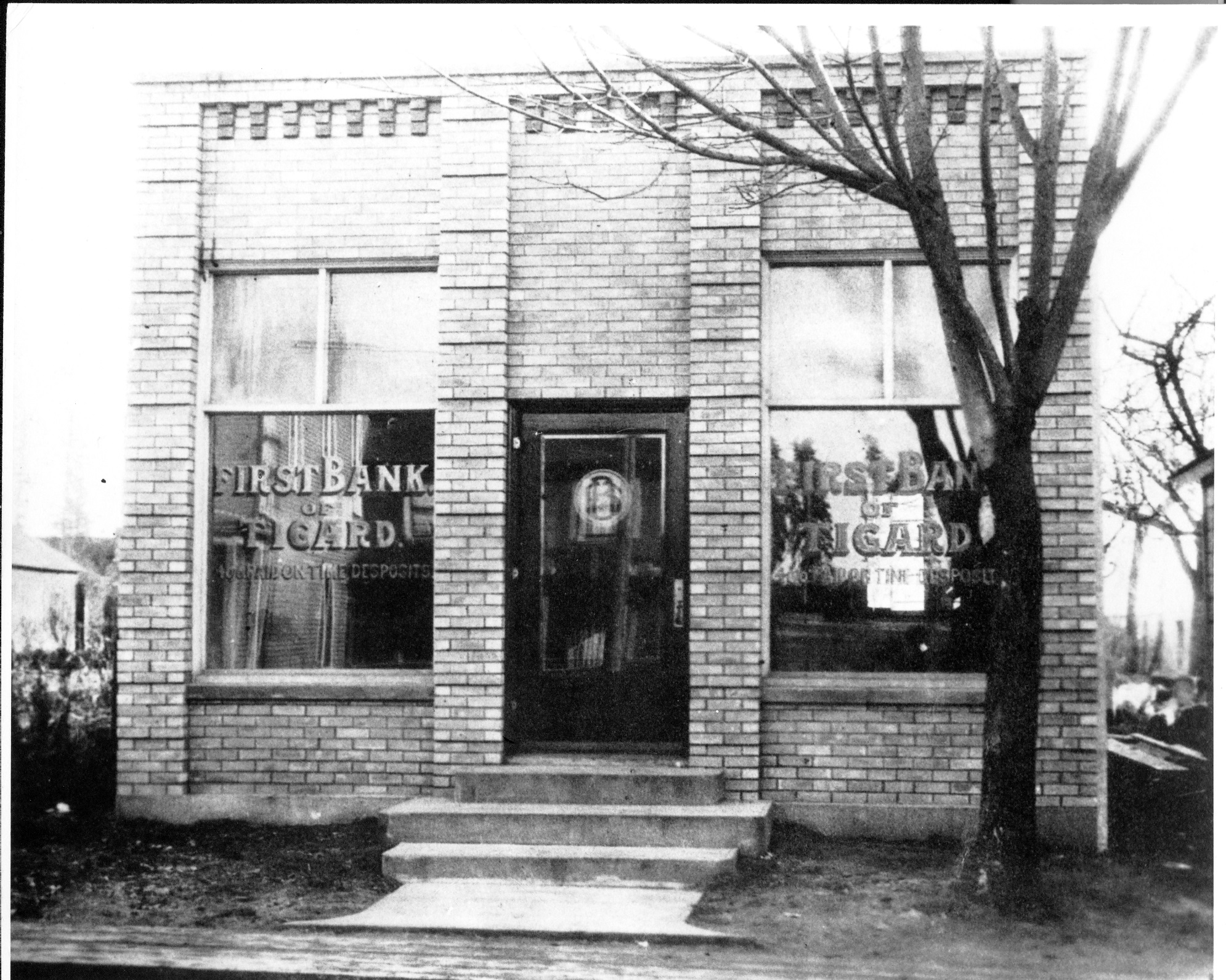 First Bank of Tigard 1920.jpg