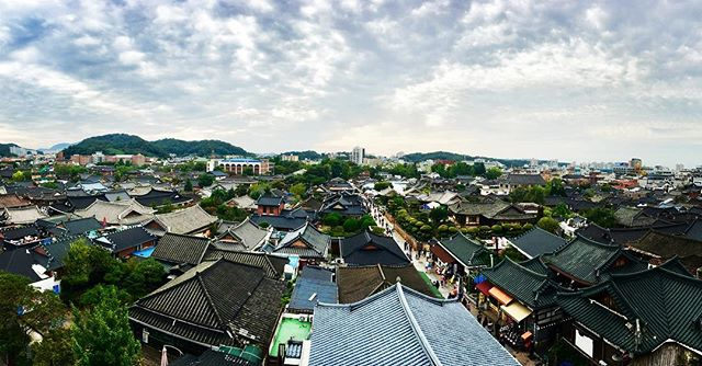 Rooftop views of rooftops. 🇰🇷✌🏻#WearWeWentinKorea