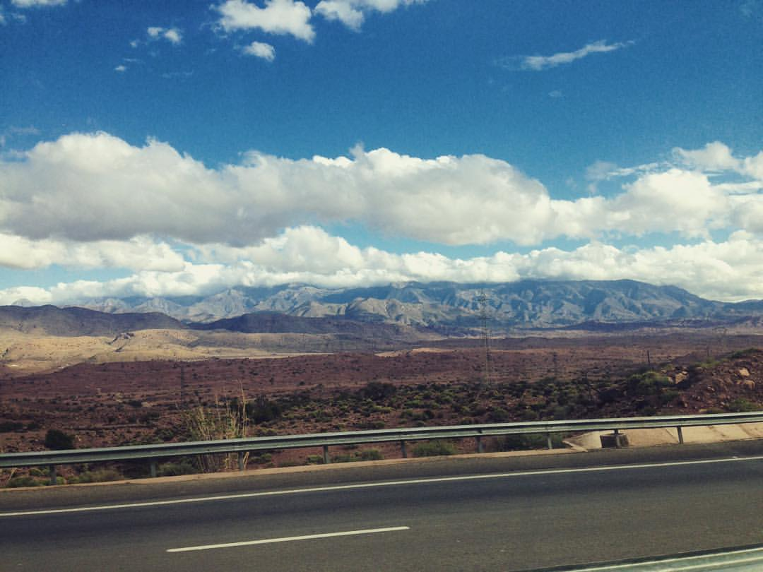 On the road 🚎 #Morocco #Atlasmountains