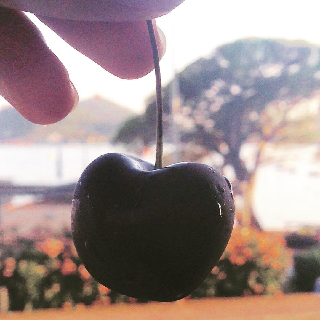 Best 'Cerise' I've ever had 👌🏽🍒🇫🇷 #foodie #foodadventure #yazontour