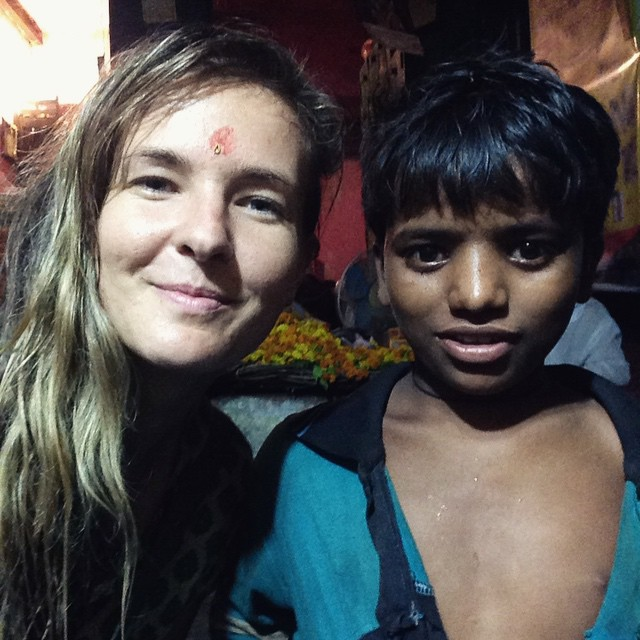 Adithya and I got caught in the first rain of the season last night in #Varanasi, he wanted shoes but I bought him paneer because we couldn't find a shop. 💦💧🍶👯