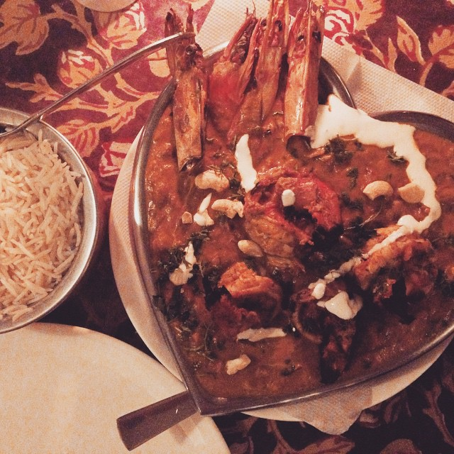 So generally you are very careful about what you eat in India- have been mostly vegetarian as the meat you see around isn't what you could call 'sterile' in any form of the word. And unless you're by the ocean you would NEVER consider seafood.. But I happen to be by the ocean and found a  good restaurant with great food so decided to treat myself to a Tiger Prawn Tikka Masala… Costing about $14 but oh gawd was it worth it.. Absolute heaven. Also had a margarita that wasn't completely disappointing.. 😆🍛🍤🍤🍤🍤🍸 #Goa #Incredibleindia #FoodOfIndia #delish #noms cc @spysh