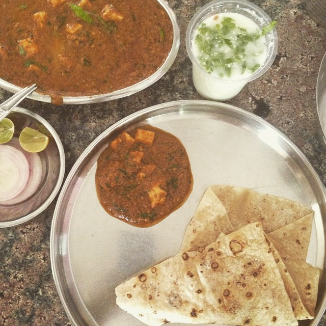Curry for one ☺️👏🏽👏🏽👏🏽🇮🇳👌🏽 paneer garamasala, roti, side of onion and lime with a chilled salted buttermilk. #noms #foodcoma #Indianadventure #Incredibleindia cc @spysh