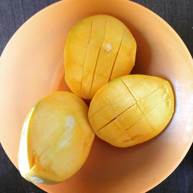 First Indian Mango for the season 😆😅🍋🇮🇳 #heaven #mango crazy #Incredibleindia