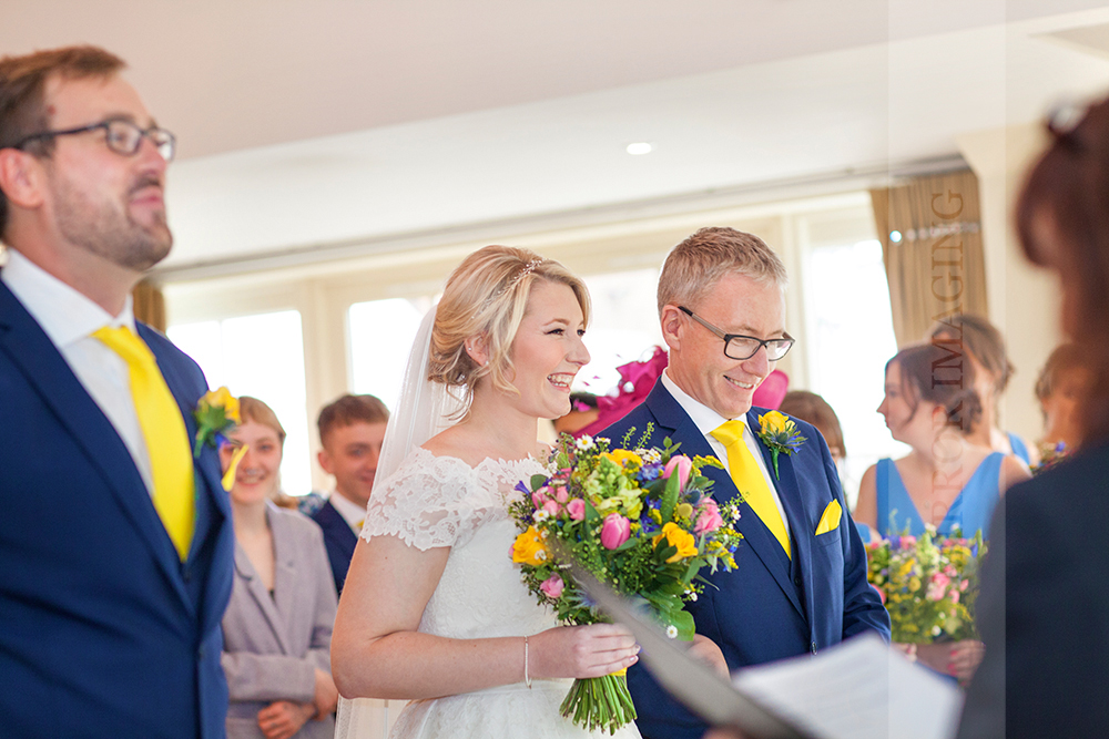 notts wedding photographer 24.jpg