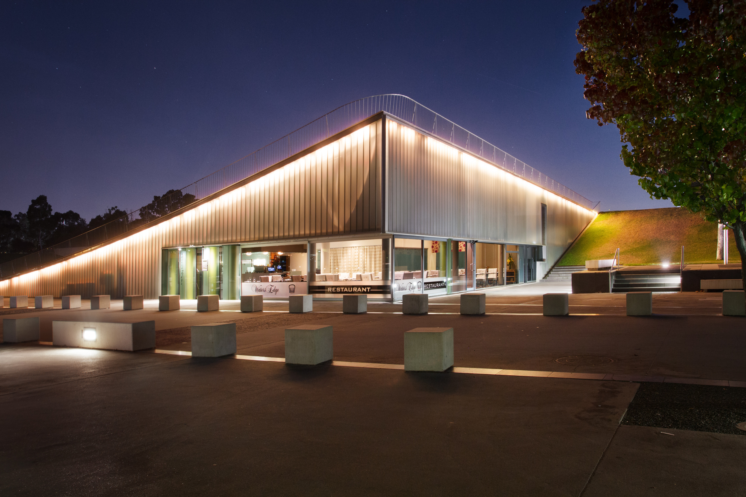 Waters Edge Restaurant, Canberra ACT