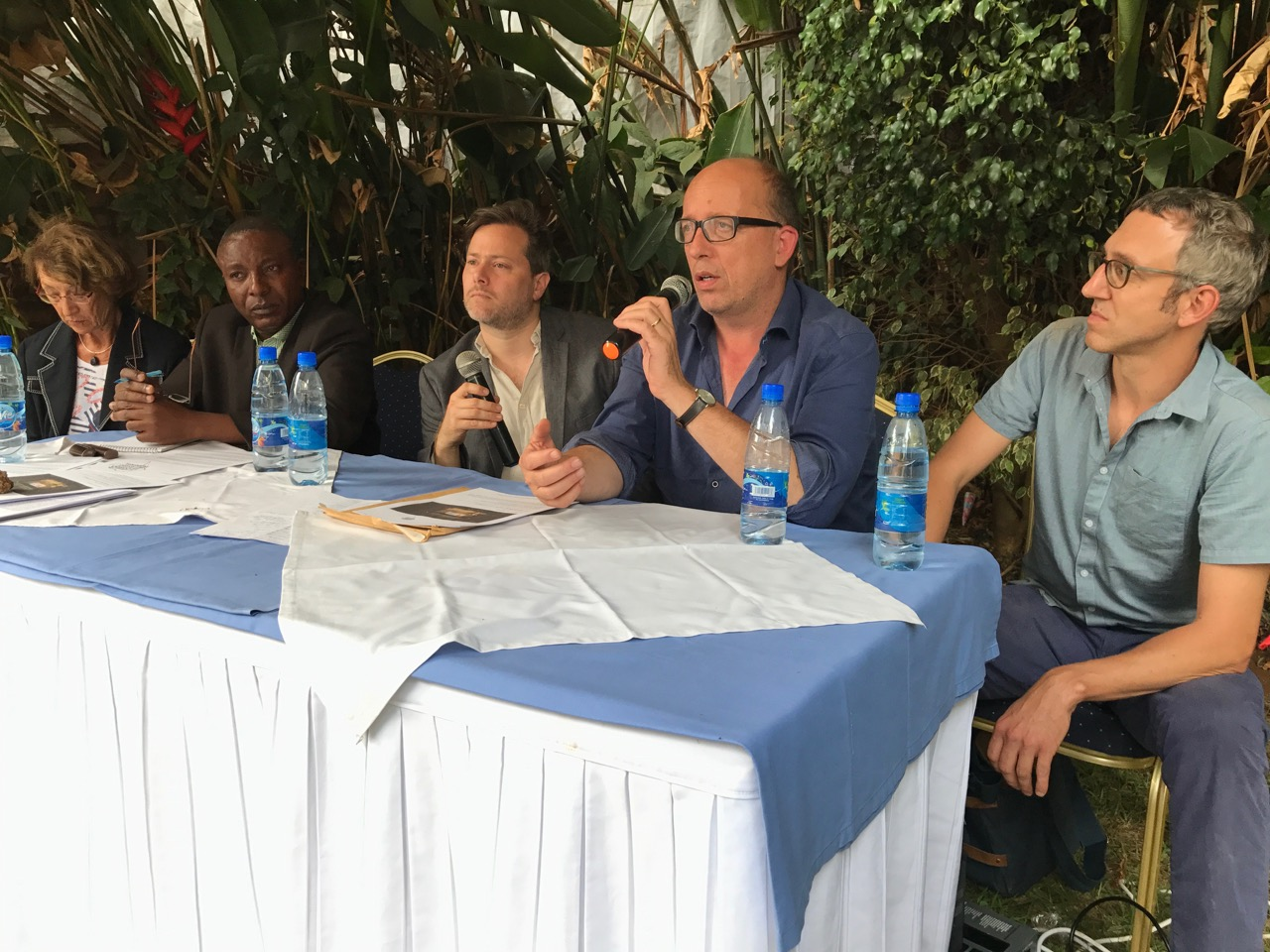 Belgian journalist Colette Braeckman, lawyer Maitre Bisimwa, director Milo Rau and the producers Arne Birkenstock and Olivier Zobrist during a press conference in Bukavu. (@2017 The Congo Tribunal / Patricia Corniciuc)