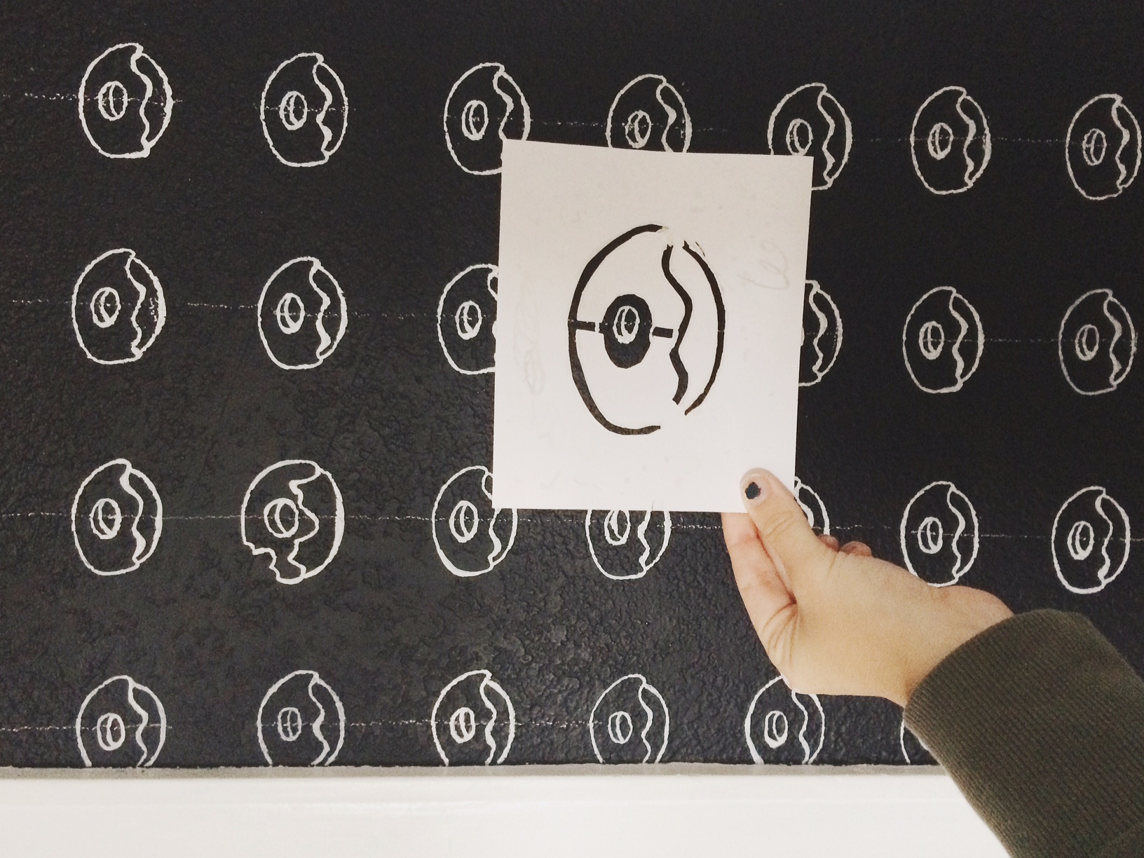 Donut Wall Stencil DIY